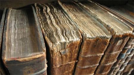 La razón de que los libros viejos sean tan embriagadores