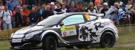 Renault pone equipo oficial también en el Europeo de Rallyes