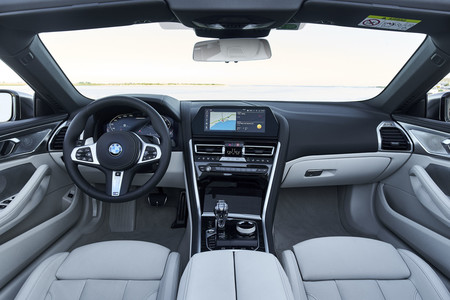 BMW M850i Cabrio Interior Estudio 4