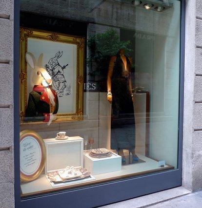 Hermès se inspira en las fábulas para una primavera de lujo 2010