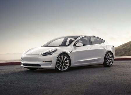 Consumer Reports reprueba al Model 3 en frenado y Tesla lo actualiza para detenerlo 6 metros antes