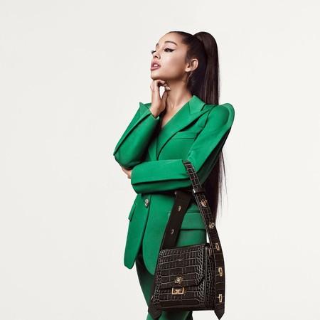 Givenchy adelanta el otoño con las primeras imágenes de Arivenchy, la campaña protagonizada por Ariana Grande