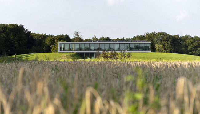 Cuando el terreno se adapta a la arquitectura for Cuando se creo la arquitectura