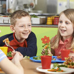 Comer en el colegio: ¿qué deberíamos esperar de los comedores escolares?