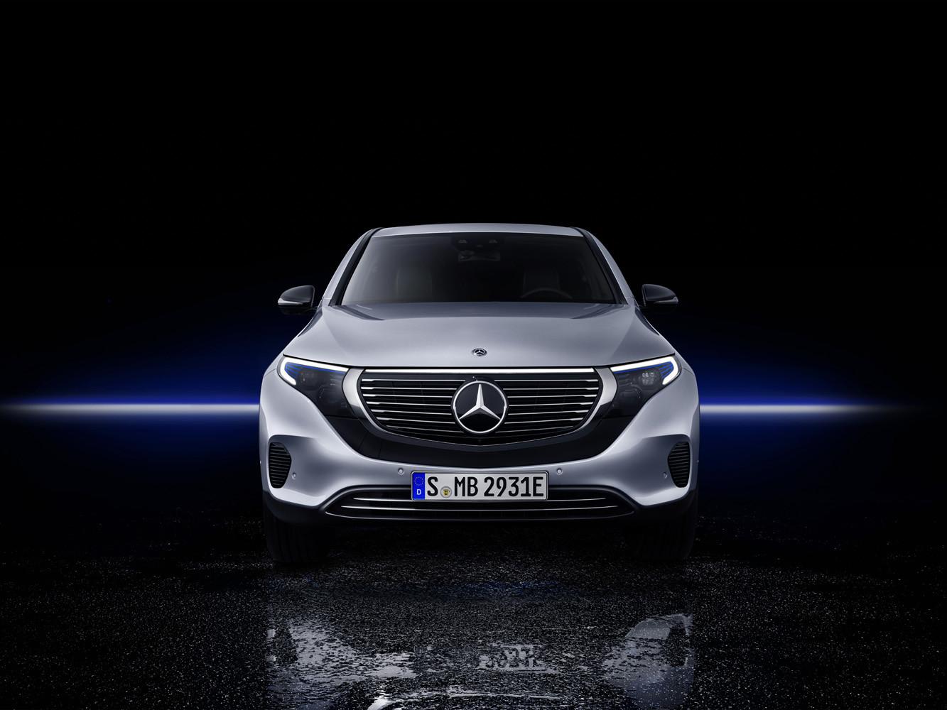 Foto de Mercedes-Benz EQC 2019 (40/74)