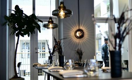 Las lámparas colgantes del Restaurante Smör de Copnehague, también pueden brillar en tu hogar