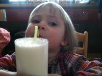 Consejos para el niño que no quiere tomar leche