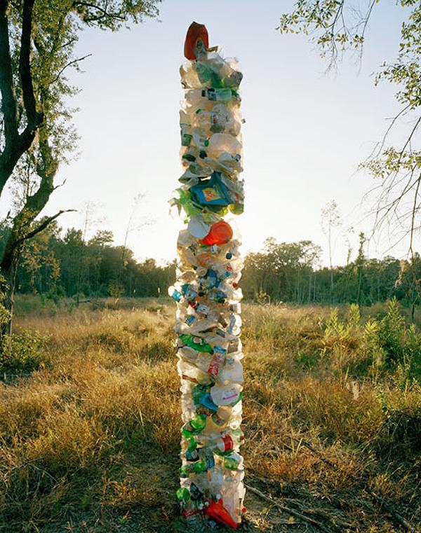 Foto de Material World, esculturas con nuestros desechos (2/7)
