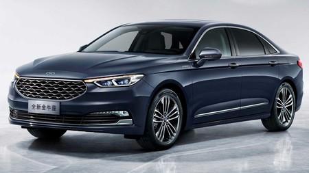 Ford mantiene conectado al respirador al Taurus en China, y le da un nuevo facelift al modelo 2020