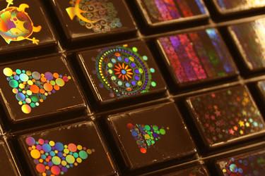 Llega el chocolate decorado con hologramas