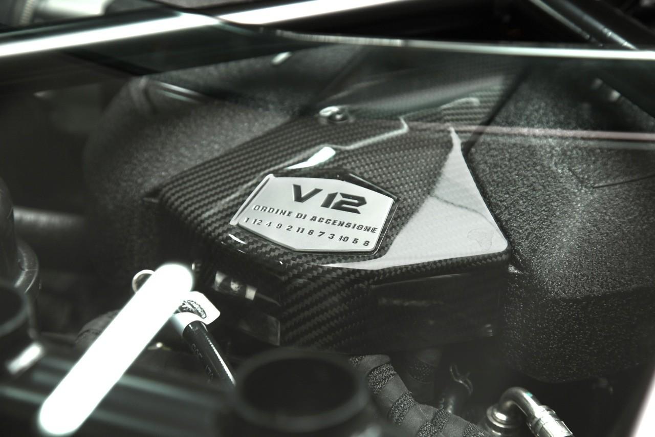 Foto de Lamborghini Aventador LP700-4 (12/62)