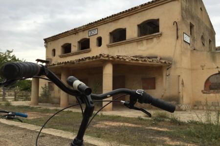 Paseo en bicicleta por la Vía verde de Horta de Sant Joan