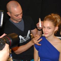 Foto 4 de 27 de la galería el-backstage-de-custo-en-la-nyfw en Trendencias Belleza