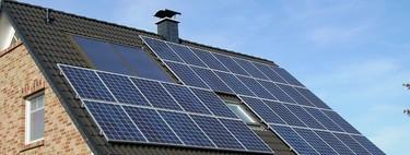 Las eléctricas de siempre son las que te quieren vender las placas solares de casa, incluso para autoconsumo