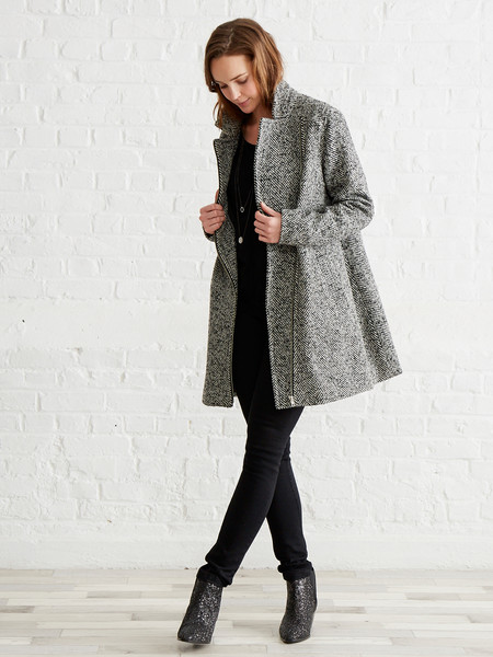 9a43bf894 No pases frío! Los abrigos premamá más bonitos de la temporada