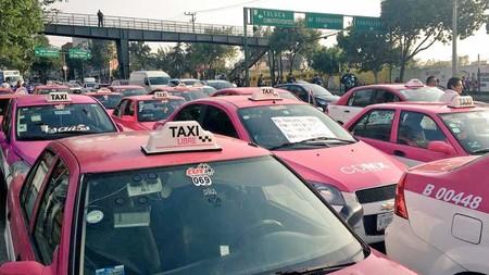 Los taxistas de Ciudad de México ahora no protestan contra Uber, sino contra la app L1BRE y los taxímetros digitales