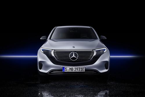 El nuevo Mercedes-Benz EQC contra el Jaguar I-PACE, el Tesla Model X, el BMW iX3 y el el Audi e-tron: quién da más sobre el papel