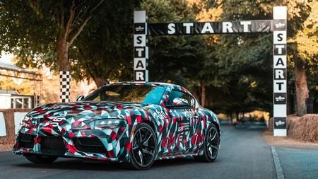 ¡Por fin! este es el Toyota Supra de producción atacando Goodwood