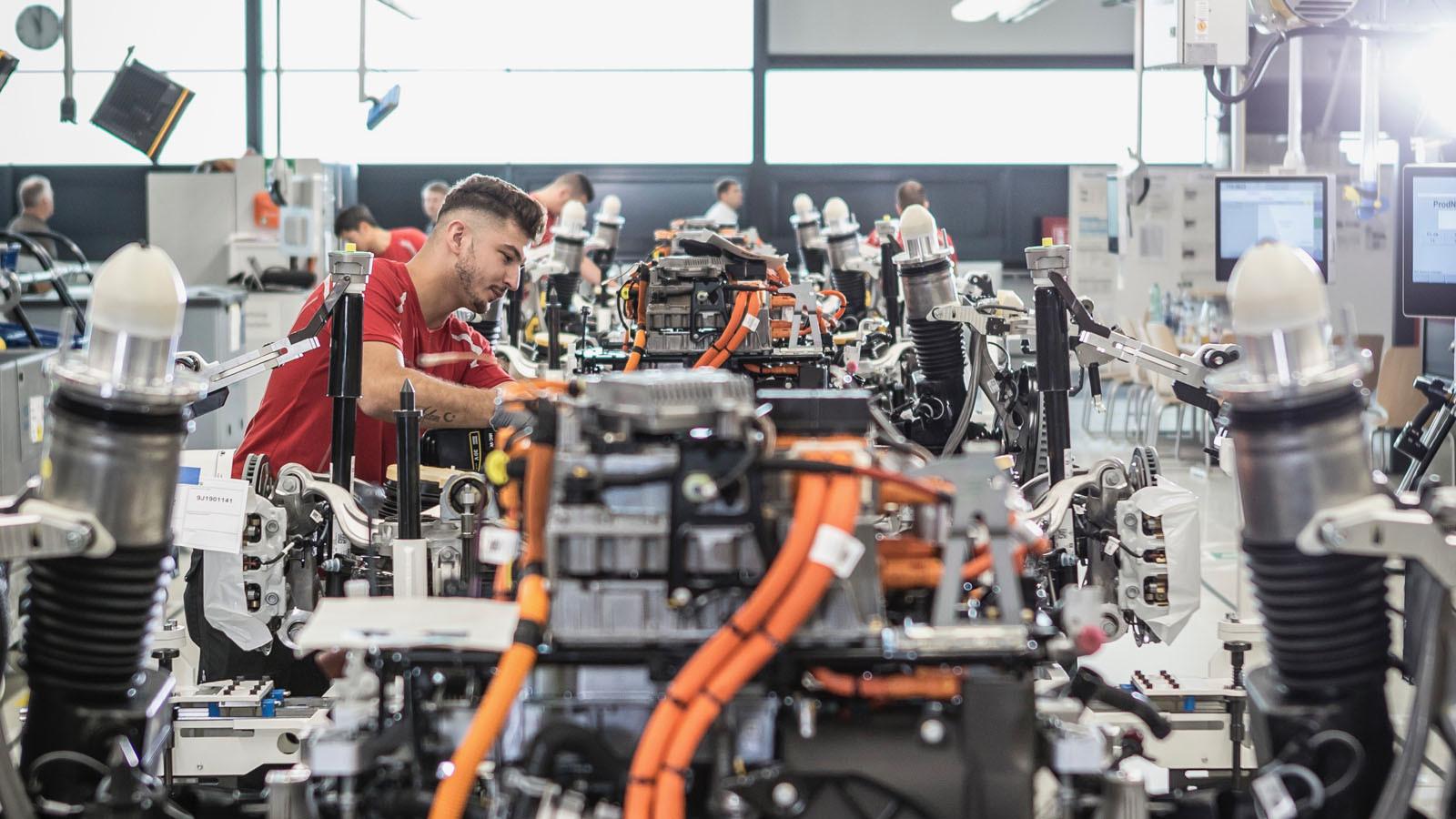 Foto de Fábrica Porsche Taycan (inauguración) (27/44)