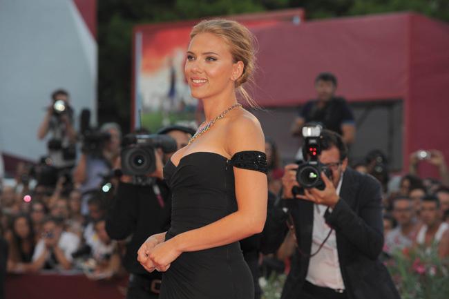 Foto de Scarlett Johansson llegó al Festival de Venecia (4/9)