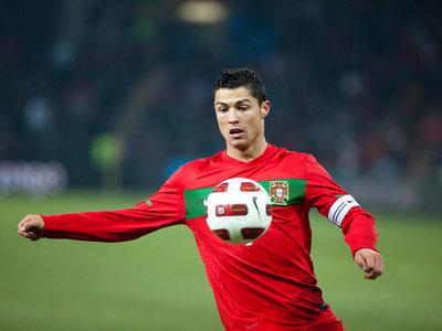 Cristiano Ronaldo será padre de gemelos mediante un vientre de alquiler