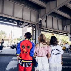 Foto 2 de 10 de la galería chaqueta-con-espalda-escrita en Trendencias