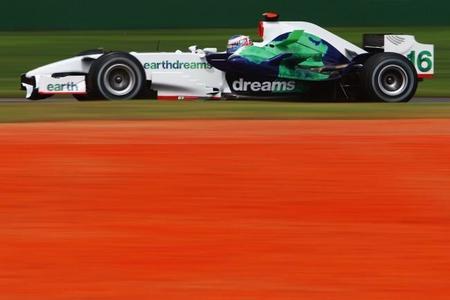 McLaren no pondrá el motor Honda en pista hasta 2015