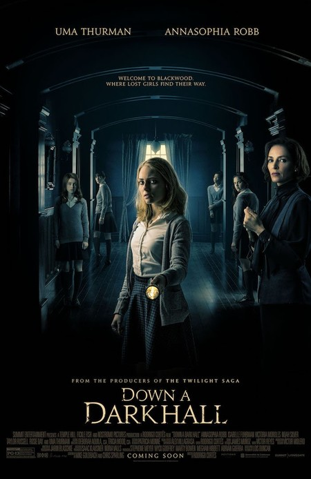 Poster de Blackwood (Down A Dark Hall)