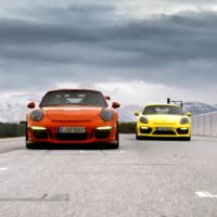 Porsche Cayman GT4 vs 911 GT3 RS. ¿Tiene sentido seguir comparándolos?