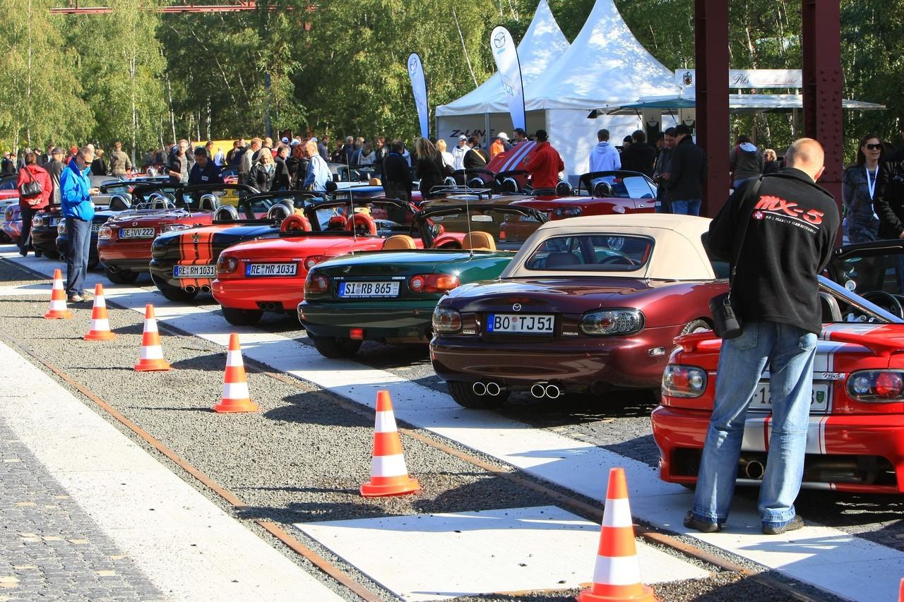 Foto de Concentración Mazda-MX5 2010 en Essen  (5/11)