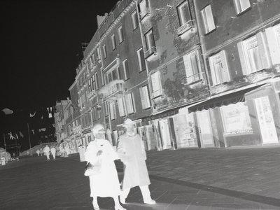 Cómo convertir negativos y diapositivas en formato digital con nuestra cámara (I)