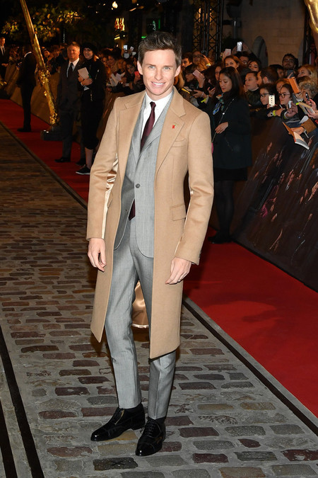 Eddie Redmyane Fantastic Beasts The Crimes Of Grindelwald World Premiere At Ucg Bercy In Paris03