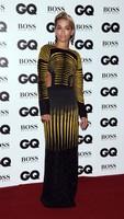 Entre el arriesgado maquillaje de Rita Ora y el recogido de Emma Watson. Así fueron los Premios GQ