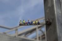¿Por qué es tan difícil encontrar un trabajo? Grandes respuestas en miniatura by Slinkachu