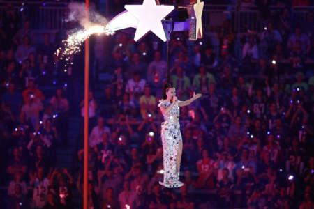 Katy Perry Super Bowl 2015 vestido Moschino