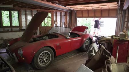 Y esto son ocho millones de d lares en coches abandonados - Garaje de coches ...