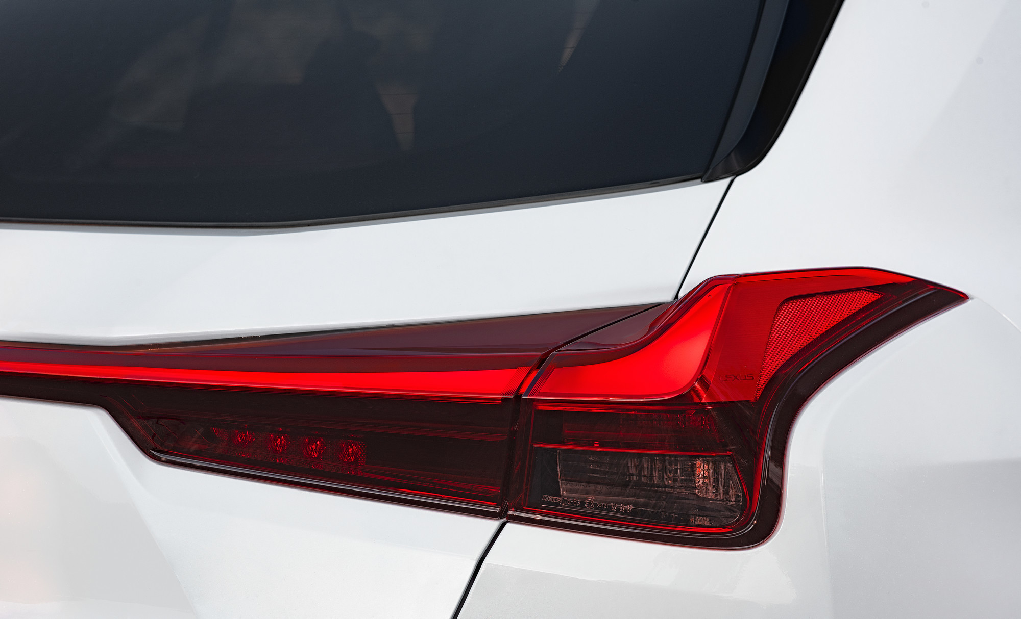 Foto de Lexus UX 250h 2019 (81/130)