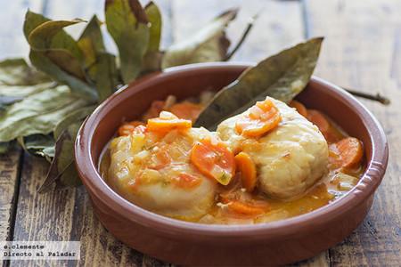 Filetes de merluza en salsa de zanahoria. Receta