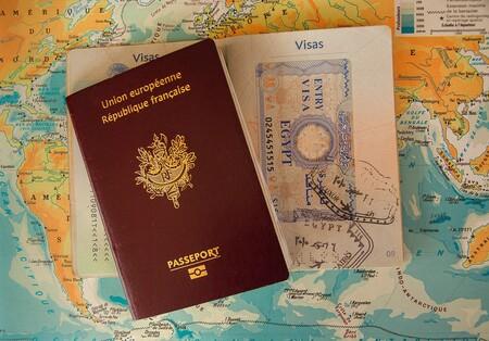 Pasaportes: solo los hay de cuatro colores pero podrían ser más