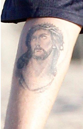 Adivina a quién... se le ha ido de las manos el tatuaje