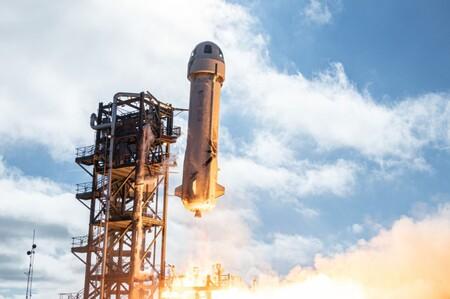 El primer boleto para viajar al espacio se pone a la venta: Blue Origin inicia subasta para saber quién da más para subirse a New Shepard