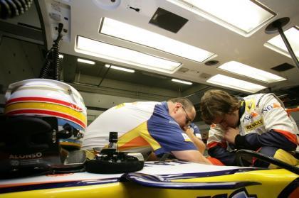 ¡Filtradas las primeras imágenes de Fernando Alonso en Renault!