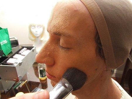 Consejos de maquillaje para hombres expertos: ¿cuál es tu truco para verte más guapo?