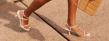 Los mules y las sandalias de tiras son el calzado tendencia de esta primavera/verano 2019: 15 ideas para lograr el look