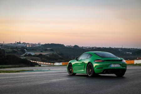 Porsche 718 Cayman GTS 2020 trasera lateral