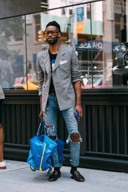 El Mejor Street Style De La Semana Los Mules Desplazan A Los Mocasines Como El Calzado Clave De Verano 06