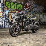 ¡Asfalto y barro! Esta Yamaha XSR700 Yard Built de Rough Crafts puede con todo