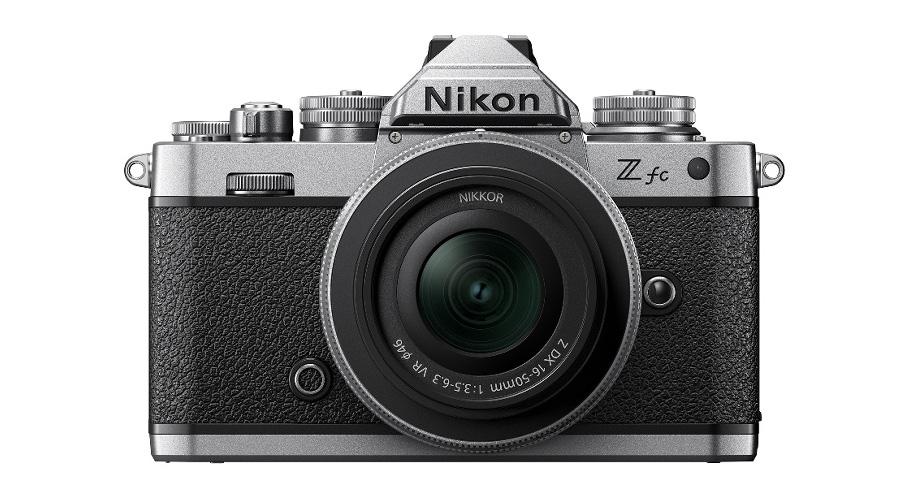 Nikon Z fc con Nikkor Z DX 16-50 mm f/3.5-6.3 VR + SD Lexar 64GB