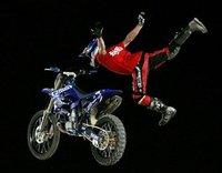 Travis Pastrana vence en el Red Bull X-Fighters
