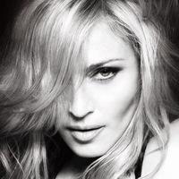Madonna, que no te enteras, que en Rusia defender a los gays sale bastante caro...